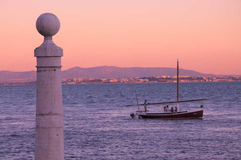 Lisbon-PoleandBoat-Sunset.jpg
